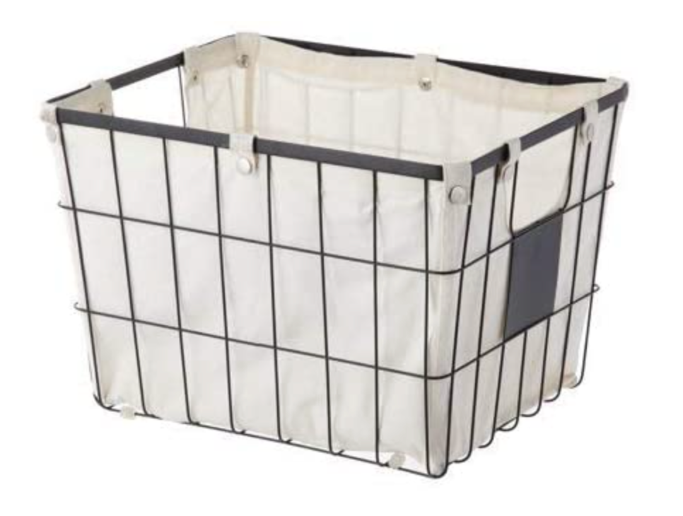 Wire Basket with Chalkboard Plate and Liner