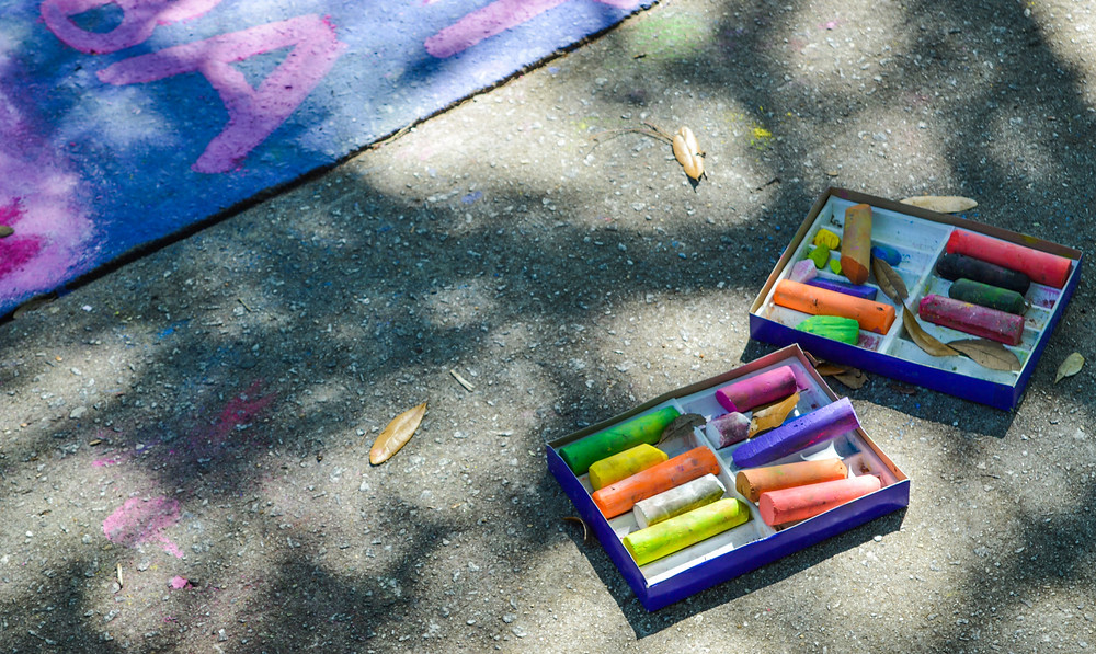 Outdoor sidewalk art chalk in box