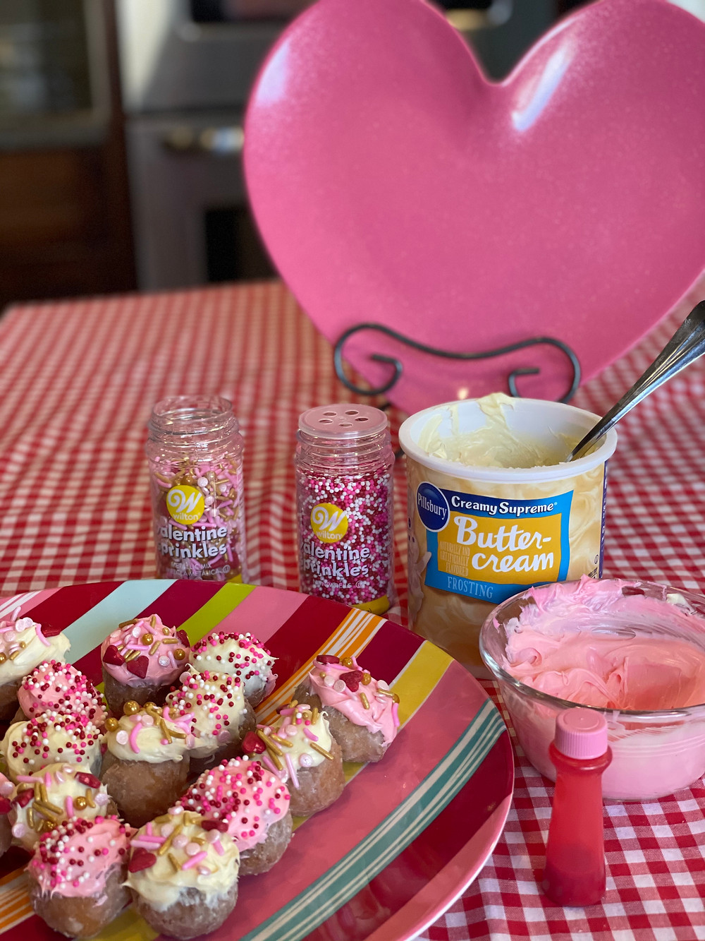 Valentine day decorated donut holes