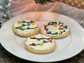 Super Simple Holiday Christmas Lights Sugar Cookies Anyone Can Make - Easy Family Recipe for Kids