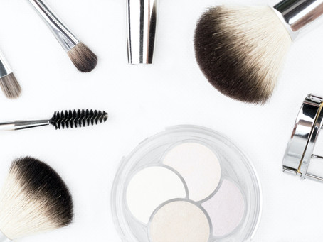12 Genius Makeup Organizers to Keep Your Cosmetics and Vanity Decluttered & Organized
