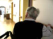 Quedas são uma das maiores causadoras de morbidade e mortalidade em idosos. Utilize da fisiterapia para melhorar o equilíbrio, a força muscular e noção de espaço para auxiliar na prevenção de quedas.