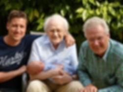 Fisioterapia especializada para idosos permite maior independência física e emocional.