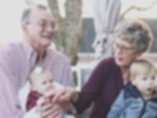 Saúde do idoso. Fisioterapia auxilia para retardar os efeitos do envelhecimento e também efeitos de doenças degenerativas, como Alzheimer e Parkinson