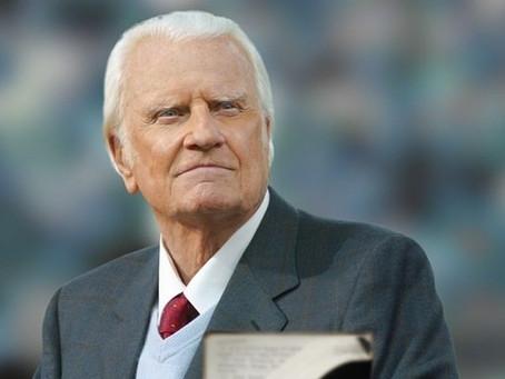 Evangelista Billy Graham morre aos 99 anos
