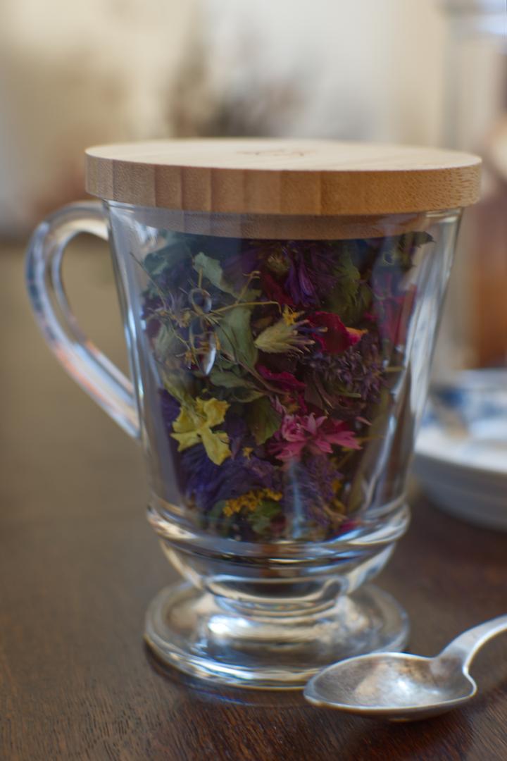 tisanière florale.png