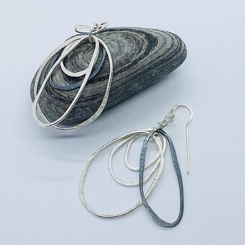 4 hoop pebble earring