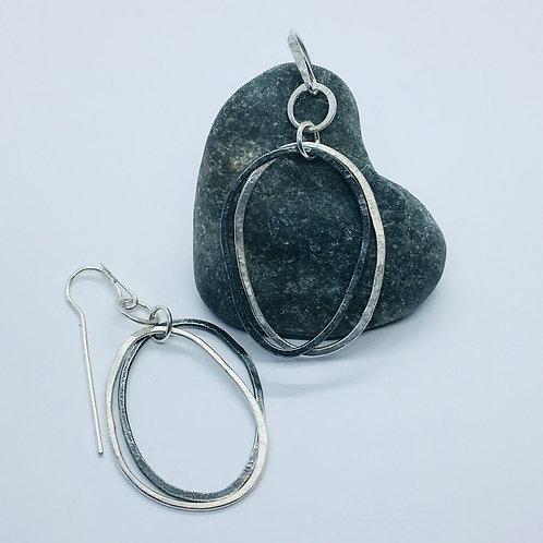 2 Pebble hoop earrings