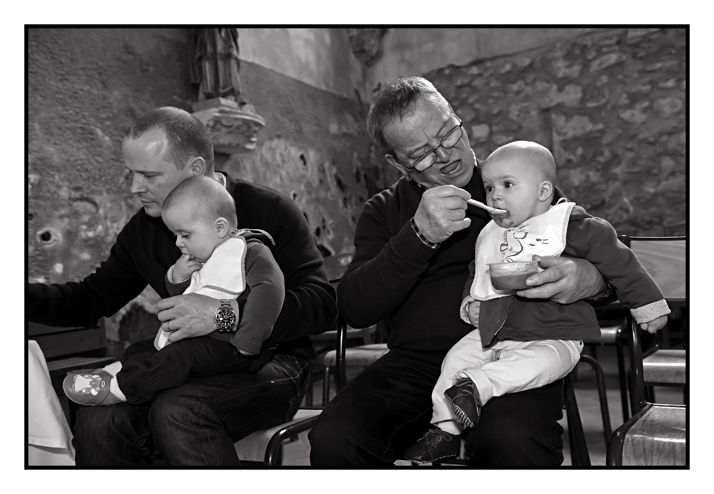 ©Vali_Léonie&Victoire_Ieuvrigny_mai2014_75N&B.jpg