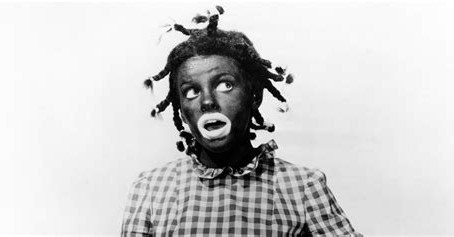Oregon teacher wears blackface in protest of school vaccine mandate, claims she is Rosa Parks