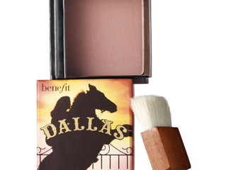 Perfect sun kissed glow with Benefit Dallas