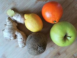 Mela, arancio, rapa rossa, limone e zenzero biologici