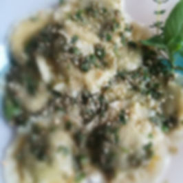 Medaglioni di pasta fresca con Spinaci, Broccoli e Olive