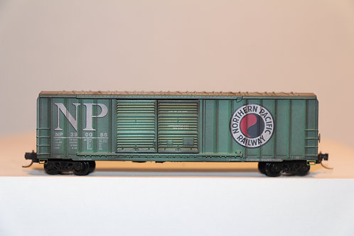 03044210 WEATHERED NORTHERN PACIFIC Box Car