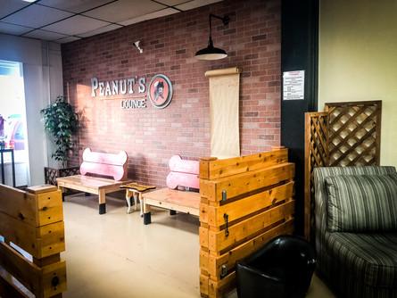 Peanut's Lounge