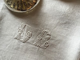 Monogramme Antique Linen