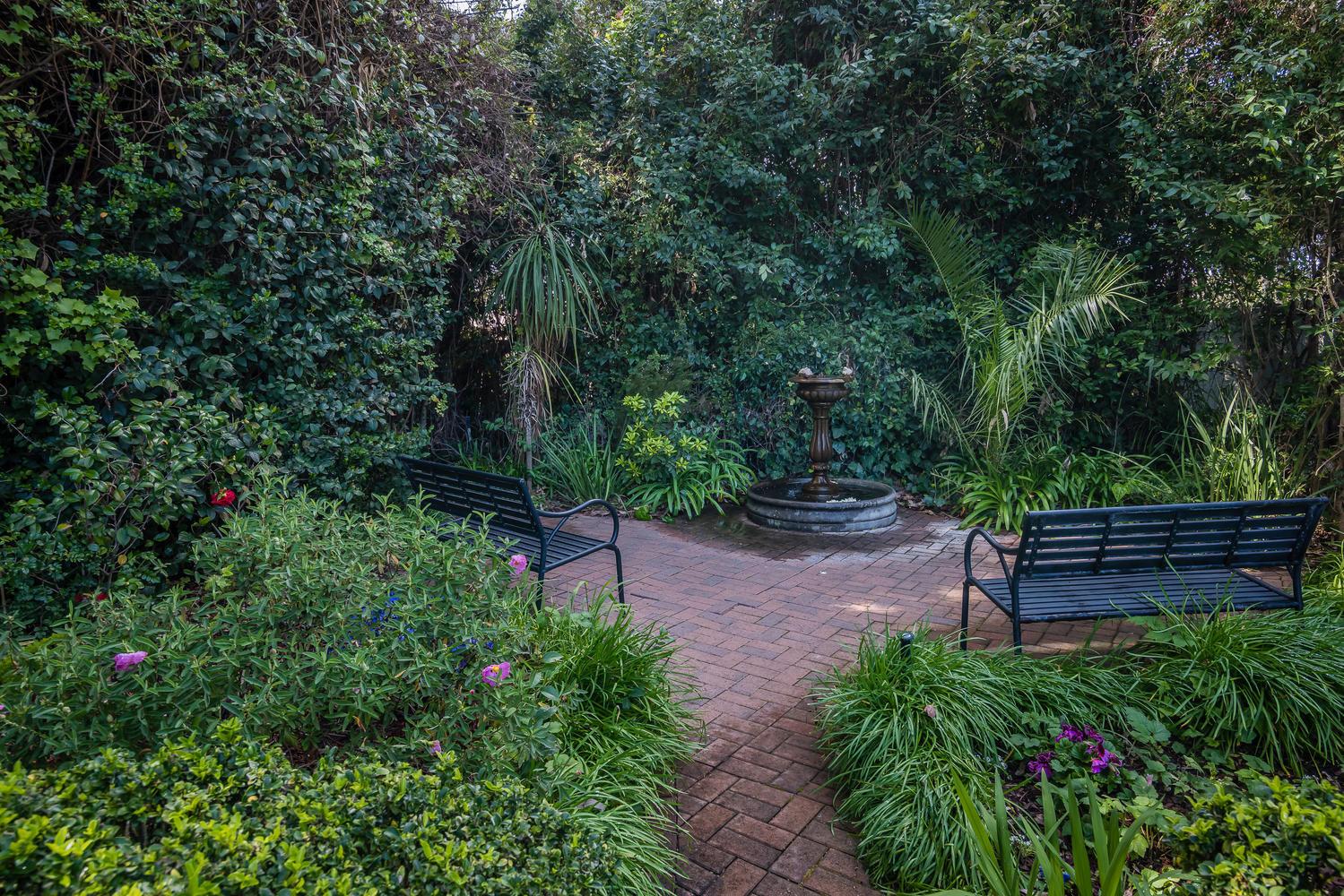 Kaleidoscope Inn  Gardens-large-046-53-K