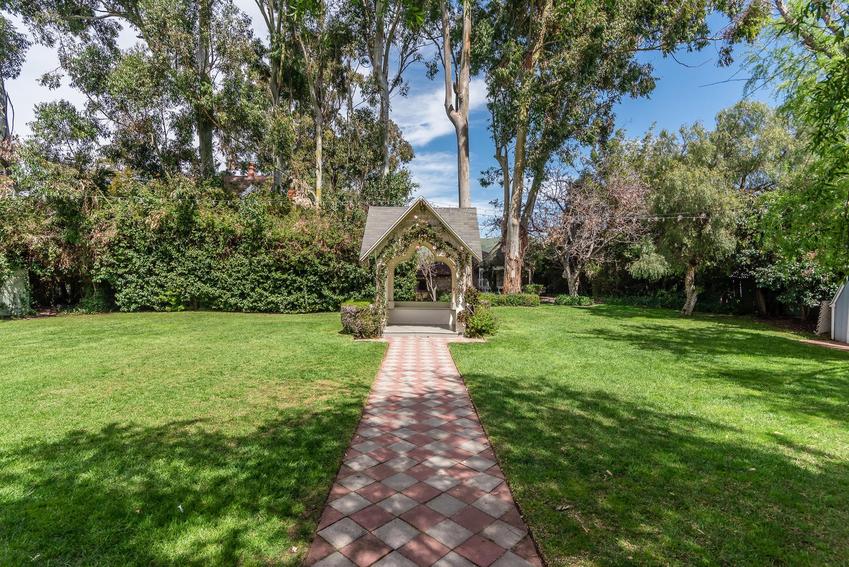 Kaleidoscope Inn  Gardens-large-048-48-K