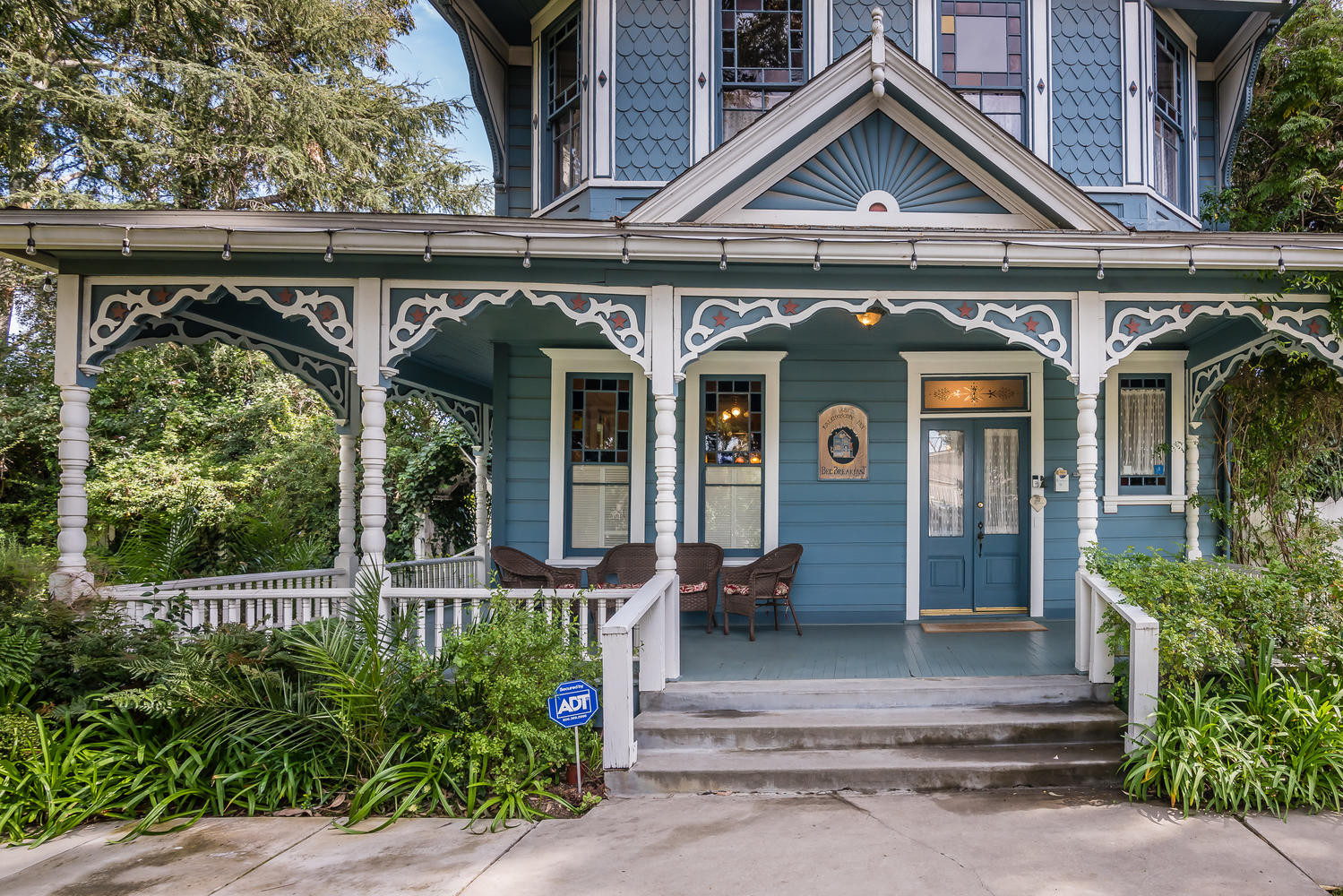 Kaleidoscope Inn  Gardens-large-004-10-K