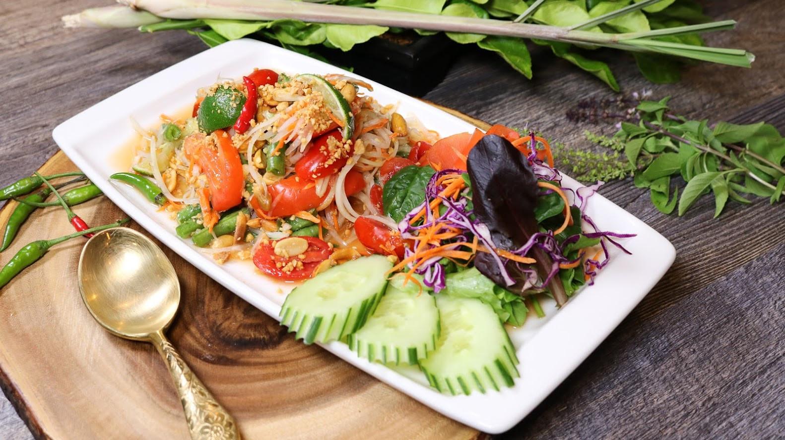 Papaya Salad (3).jpg