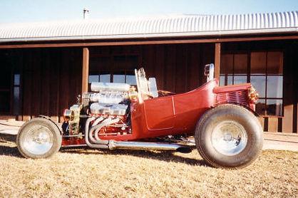 Dennis' 1932 Ford T-Bucket.jpg