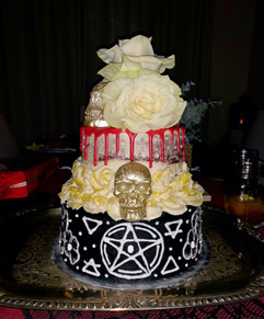 Coven NYE cake