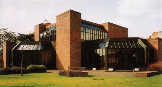 Group Headquarters, Chubb & Son Ltd, Fel