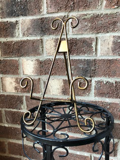 Antique Bronze Traditional Easel
