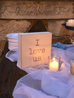 "White ""I Love Us"" Sign"