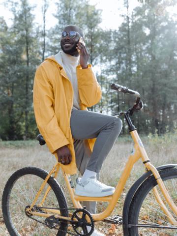 Ciclista amarillo