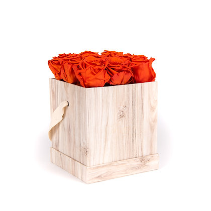 9 Roses Eternelles Orange Vibrant - Box carrée Bois Clair