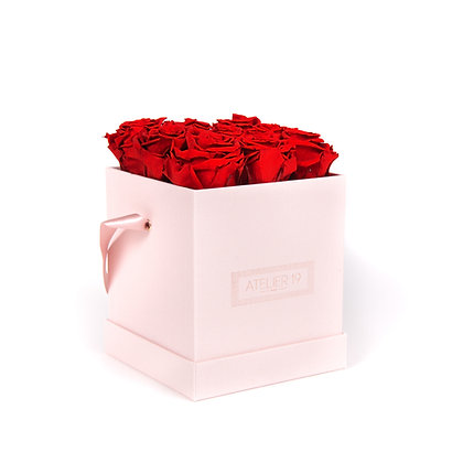 9 Roses Eternelles Rouge Passion - Box carrée Rose Poudré