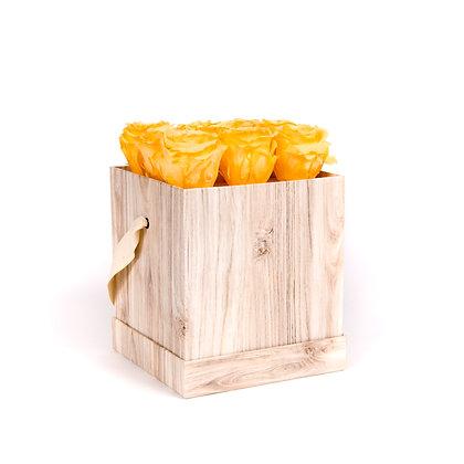 9 Roses Eternelles Pêche Velouté - Box carrée Bois Clair