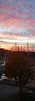 Couché de soleil sur le port de Mortagne