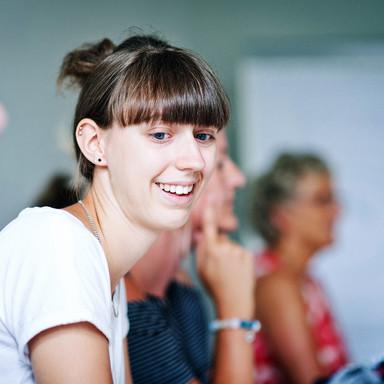 Schülerin im Unterricht der CAGP
