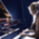 Female Pianista