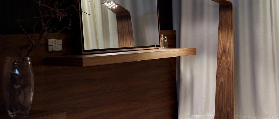 LED2 Floor Lamp