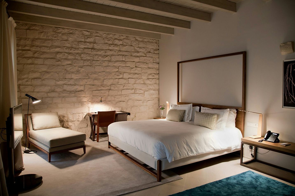 Junior Suites Hotel Mercer With Tunto LED4 Table Lamp