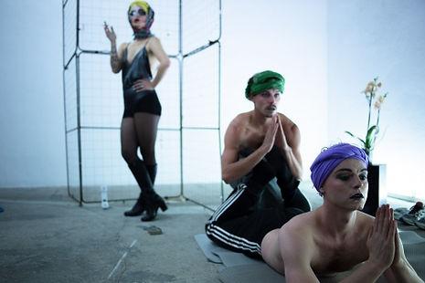 Host Body Cabaret photo Julis Zimmerman