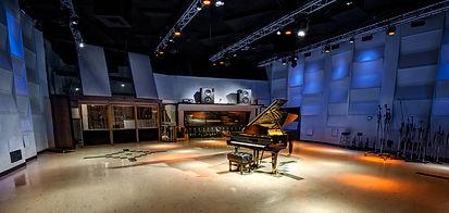 centerstage_studio-1-live_2@2x.jpg