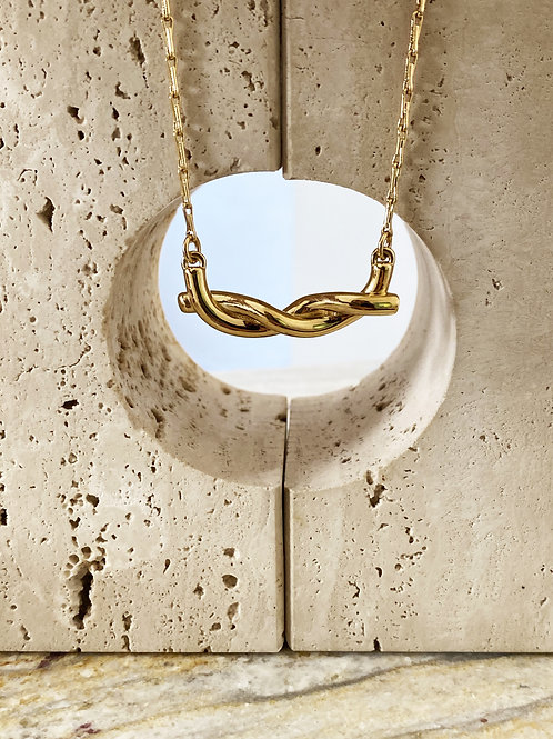 NECKLACE - love knot