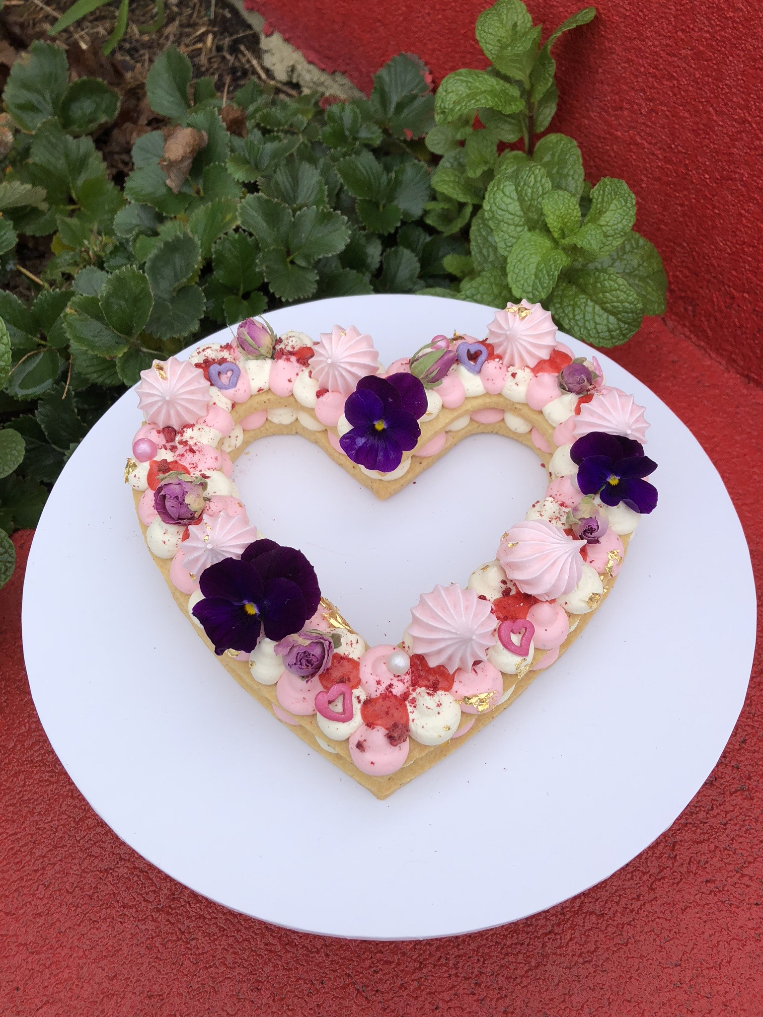 Cookie Cake Medium Heart with Edible Flo