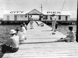 city-pier-ami