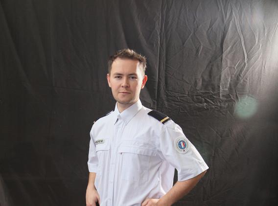 Tenue avec chemise ( 2005 à  2015 )