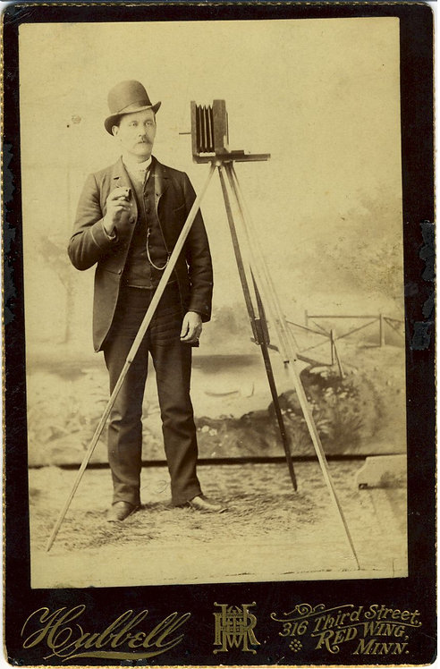PHOTOGRAPHY - CABINET CARD – PHOTOGRAPHER WITH CAMERA – RED WING MINN.