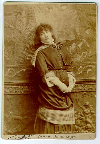 ACTRESS SARAH BERNHARDT - CABINET CARD