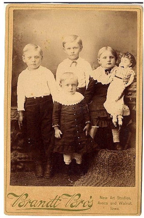 CHILDREN WITH DOLL CABINET CARD