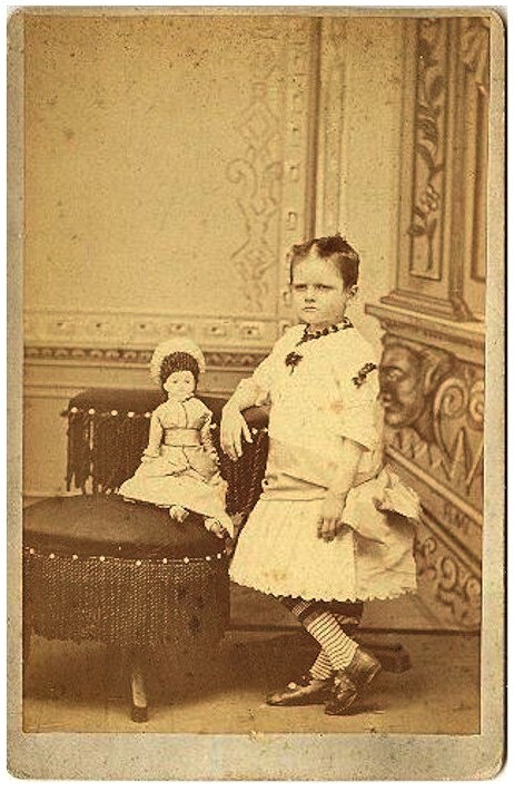 CHILD WITH LARGE DOLL CABNINET CARD