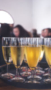 특별 이벤트에서 스파클링 와인