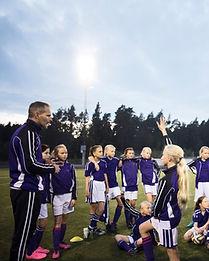 Piger Fodboldhold med Coach